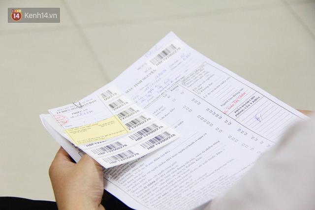 Cạn kiệt nguồn dự trữ máu giữa dịch bệnh virus Corona, hàng trăm bạn trẻ Sài Gòn vui vẻ xếp hàng đi hiến máu cứu người - Ảnh 16.  Cạn kiệt nguồn dự trữ máu giữa dịch bệnh virus Corona, hàng trăm bạn trẻ Sài Gòn vui vẻ xếp hàng đi hiến máu cứu người photo 15 1581147913129334115562