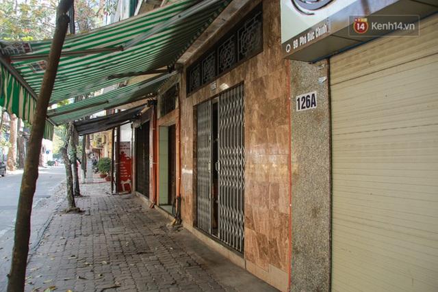 Người dân sinh sống quanh khu vực bị cách ly ở Hà Nội: Đêm vẫn ngủ ngon, hoàn toàn yên tâm vào các biện pháp phòng dịch của Nhà nước - Ảnh 12.