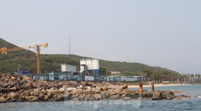 Khánh Hoà chỉ đạo khẩn xử lý vi phạm xây dựng tại Khu du lịch đảo Hòn Tằm - Ảnh 5.
