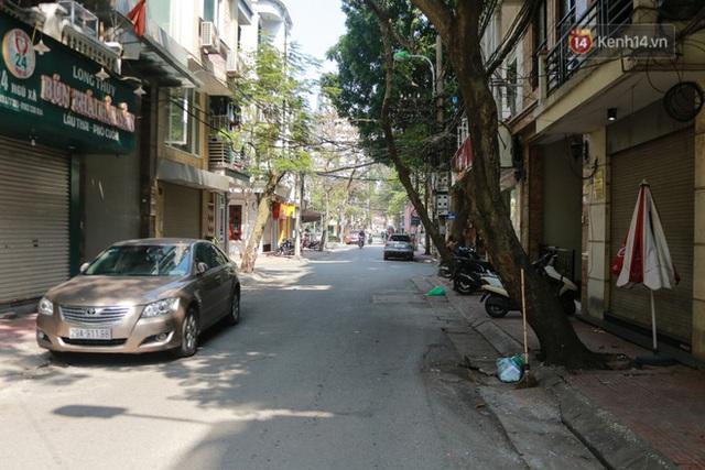 Người dân sinh sống quanh khu vực bị cách ly ở Hà Nội: Đêm vẫn ngủ ngon, hoàn toàn yên tâm vào các biện pháp phòng dịch của Nhà nước - Ảnh 6.