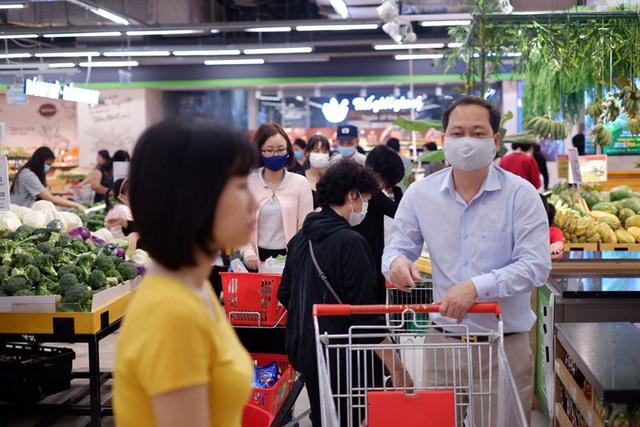 Ứng phó khẩn cấp với dịch bệnh COVID-19, hệ thống VinMart+ sẽ tạm đóng các cửa hàng trong khu vực có nguy cơ lây nhiễm cao - Ảnh 2.