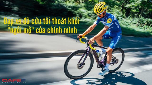 Từng chìm đắm trong thói quen ăn vặt, ì trệ, đạp xe đã cứu tôi thoát khỏi ngôi mộ của chính mình: Khi vận động tích cực, cả cuộc sống thay đổi - Ảnh 1.