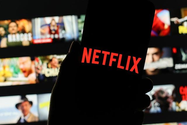 Hiệu ứng domino của COVID-19 đến truyền thông giải trí: Nếu công nghiệp phim ảnh không thể sản xuất ra chương trình mới, tăng lượt tải Netflix cũng đâu có ý nghĩa gì? - Ảnh 4.