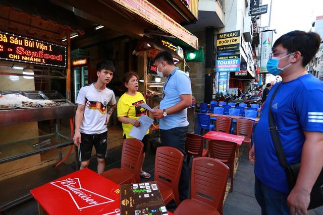 [ẢNH] Hàng loạt quán bar, nhà hàng phố Tây Bùi Viện đóng cửa để phòng chống dịch Covid-19 - Ảnh 1.