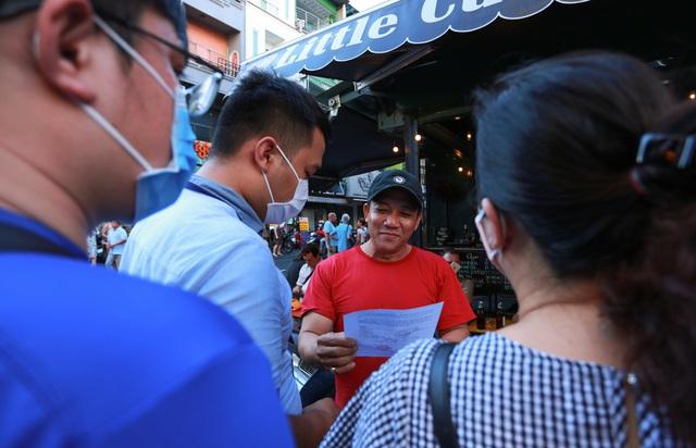 [ẢNH] Hàng loạt quán bar, nhà hàng phố Tây Bùi Viện đóng cửa để phòng chống dịch Covid-19 - Ảnh 3.