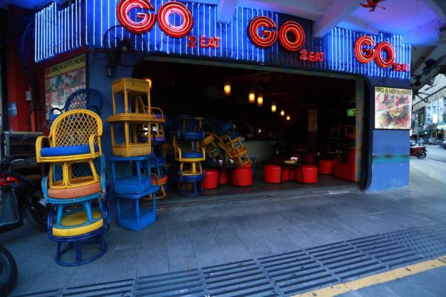 [ẢNH] Hàng loạt quán bar, nhà hàng phố Tây Bùi Viện đóng cửa để phòng chống dịch Covid-19 - Ảnh 9.