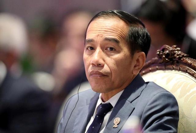 Bộ trưởng Giao thông nhiễm virus corona, Tổng thống Indonesia phải xét nghiệm - Ảnh 1.