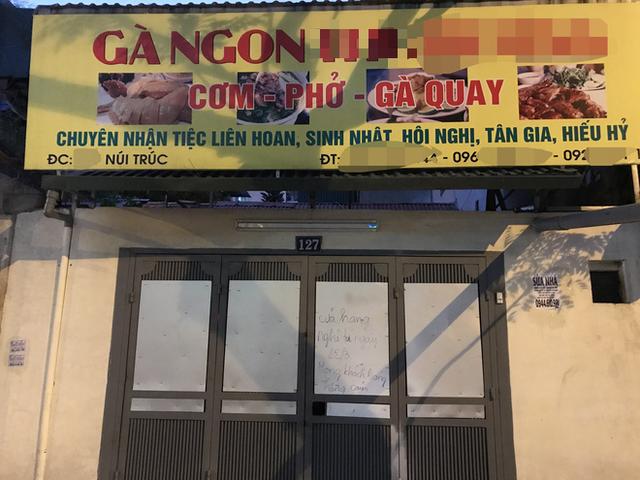[Ảnh] Nhiều cửa hàng treo biển mong khách thông cảm, nghỉ bán hàng nơi bệnh nhân 50 nhiễm Covid-19 sinh sống ở Hà Nội - Ảnh 6.