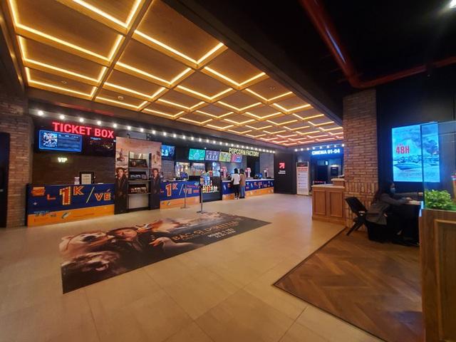 Ảnh hưởng của Covid-19: Hàng loạt rạp chiếu phim trên cả nước tạm ngưng hoạt động - Ảnh 2.