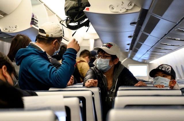 9 lời khuyên từ chuyên gia giúp hành khách phòng ngừa Covid-19 lẫn các bệnh truyền nhiễm khác khi đi máy bay: Điều số 7 rất cơ bản nhưng ai cũng xem nhẹ - Ảnh 6.