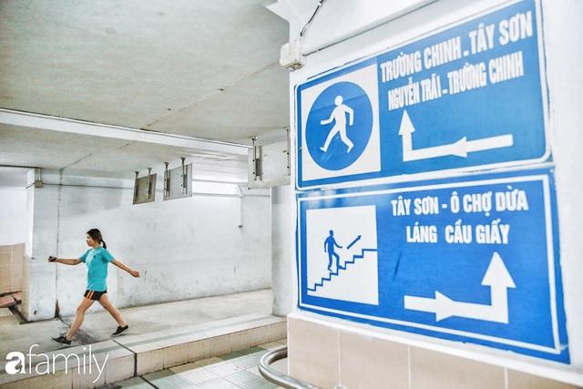 Kỳ lạ giữa Hà Nội mùa dịch: Trên đường vắng tanh, già trẻ, lớn bé rủ nhau xuống hầm tập thể thao nâng cao sức khỏe - Ảnh 19.