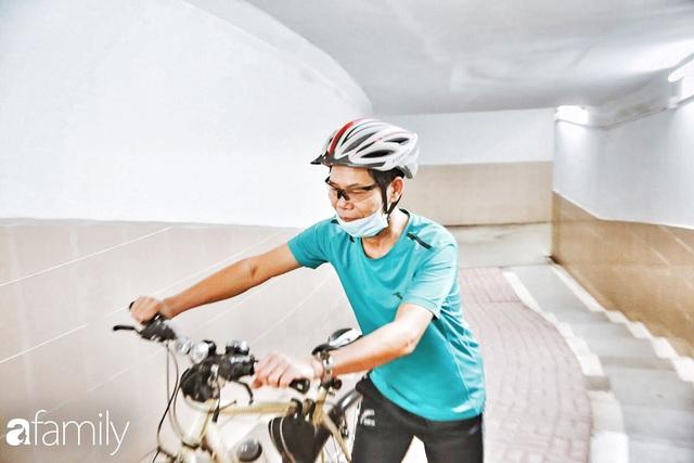 Kỳ lạ giữa Hà Nội mùa dịch: Trên đường vắng tanh, già trẻ, lớn bé rủ nhau xuống hầm tập thể thao nâng cao sức khỏe - Ảnh 23.