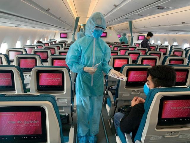 Bên trong những chuyến bay Vietnam Airlines đưa đồng bào về từ tâm dịch châu Âu - Ảnh 7.