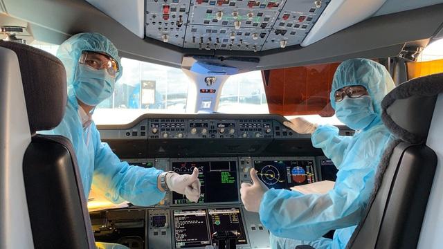 Bên trong những chuyến bay Vietnam Airlines đưa đồng bào về từ tâm dịch châu Âu - Ảnh 8.