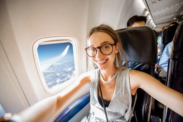 9 lời khuyên từ chuyên gia giúp hành khách phòng ngừa Covid-19 lẫn các bệnh truyền nhiễm khác khi đi máy bay: Điều số 7 rất cơ bản nhưng ai cũng xem nhẹ - Ảnh 9.