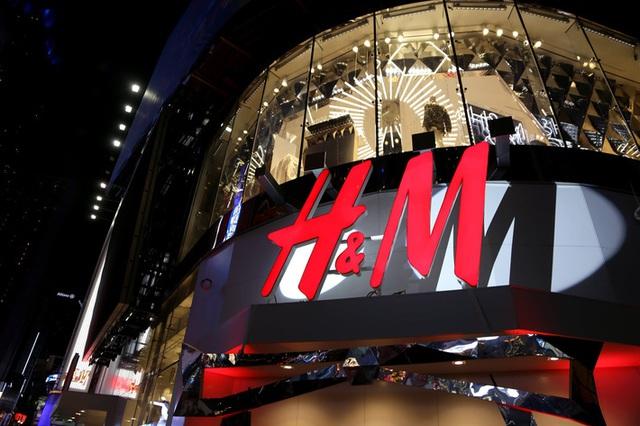Zara, H&M tạm đóng hàng nghìn cửa hàng trên toàn thế giới, nhiều thương hiệu bán lẻ đồng loạt bế quan vì dịch Covid-19 - Ảnh 2.