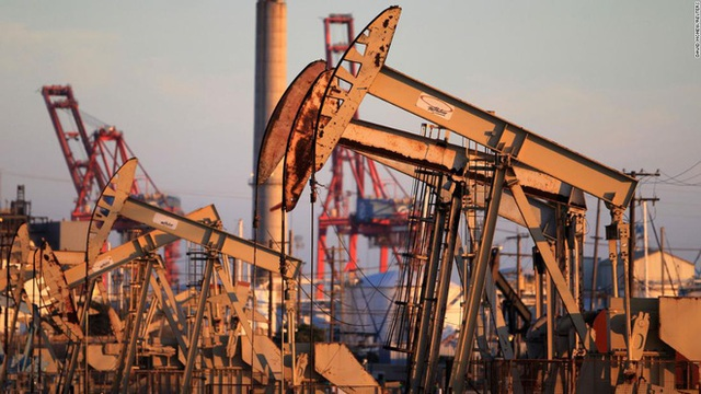 Cuộc chiến giá dầu Nga - Ả Rập Saudi: Người khơi mào tự bắn vào chân; những ai sẽ được hưởng lợi? - Ảnh 1.