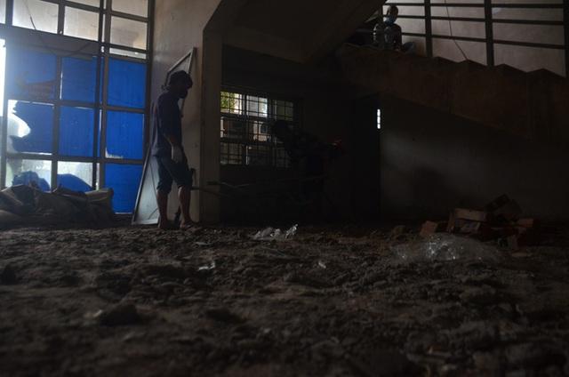 Chùm ảnh: Cận cảnh quá trình biến bệnh viện bỏ hoang ở Hà Nội thành khu cách ly dành cho 200 người - Ảnh 13.