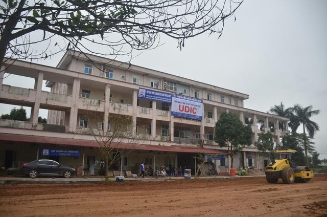 Chùm ảnh: Cận cảnh quá trình biến bệnh viện bỏ hoang ở Hà Nội thành khu cách ly dành cho 200 người - Ảnh 4.