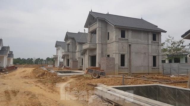 Bên trong dự án Vườn Vua hơn 1.400 tỷ vướng hàng loạt sai phạm ở Phú Thọ - Ảnh 5.