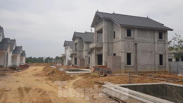 Bên trong dự án Vườn Vua hơn 1.400 tỷ vướng hàng loạt sai phạm ở Phú Thọ - Ảnh 8.