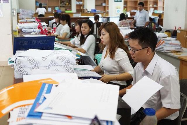 8 đối tượng được đề xuất tăng lương, trợ cấp từ ngày 1-7 - Ảnh 1.