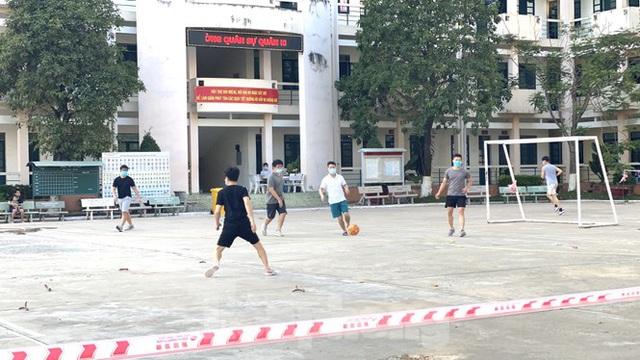 Cuộc sống trong khu cách ly gần sân bay Tân Sơn Nhất - Ảnh 6.
