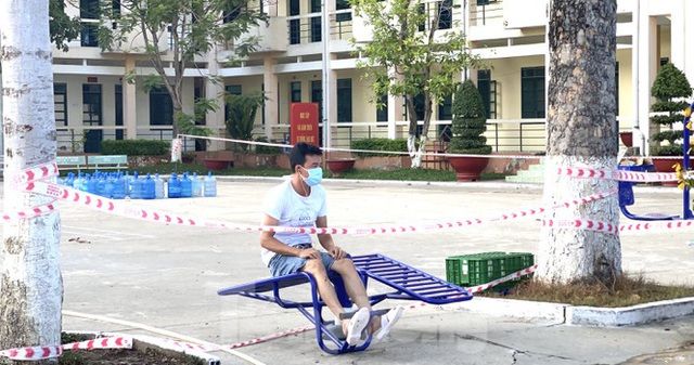 Cuộc sống trong khu cách ly gần sân bay Tân Sơn Nhất - Ảnh 9.