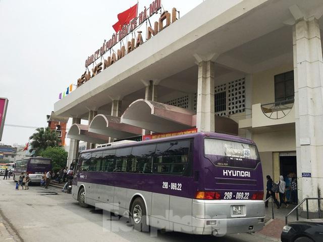 Lo bến lại vỡ trận với đề xuất cho xe khách chạy xuyên tâm Hà Nội - Ảnh 1.