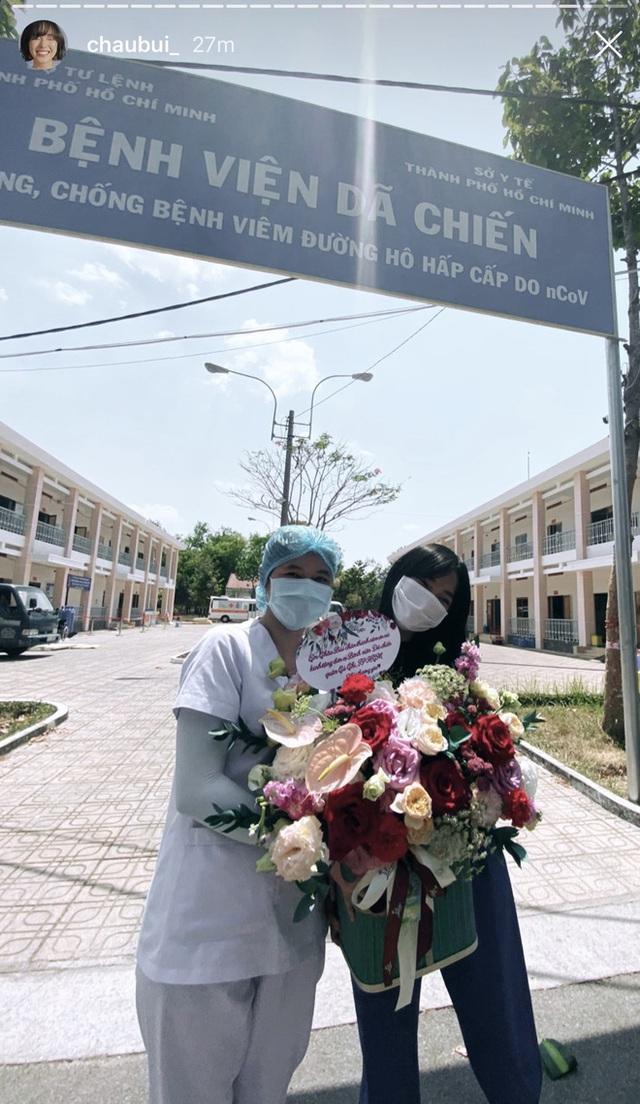 Châu Bùi tặng 140 cây quạt, 1000 chai nước rửa tay cho bệnh viện mình từng cách ly - Ảnh 7.