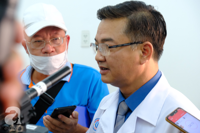 TS.BS Lê Quốc Hùng tiết lộ sự thật và nêu 6 lý do cảnh báo người dân không nên mua Hydroxychloroquine - loại thuốc được đồn thổi trị khỏi Covid-19  - Ảnh 1.