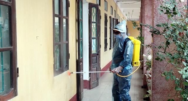 2 tuần tới là thời gian quyết định trong công tác chống dịch Covid-19 ở Việt Nam: Đây là những điều người dân cần làm để hạn chế sự lây lan trong cộng đồng - Ảnh 1.