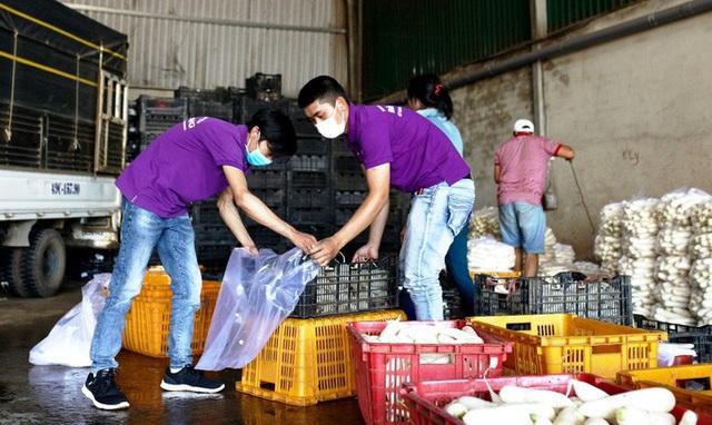 Đà Lạt tặng gần 4 tấn rau củ cho Ninh Thuận chống dịch Covid-19  - Ảnh 1.