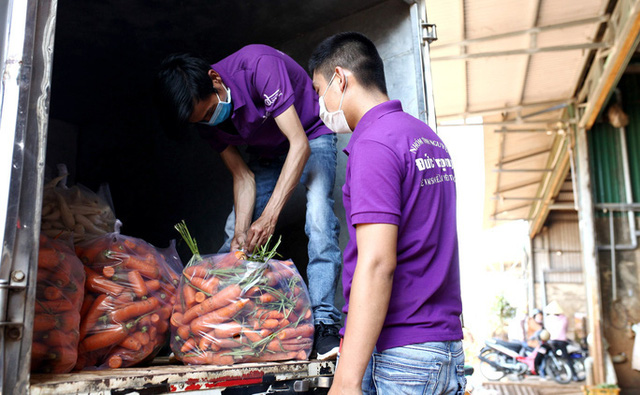 Đà Lạt tặng gần 4 tấn rau củ cho Ninh Thuận chống dịch Covid-19  - Ảnh 2.
