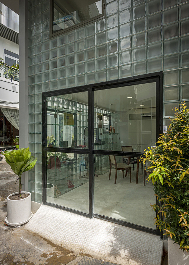 Nhà 18 m2 vẫn đủ công năng sau khi bỏ toàn bộ tường gạch - Ảnh 3.