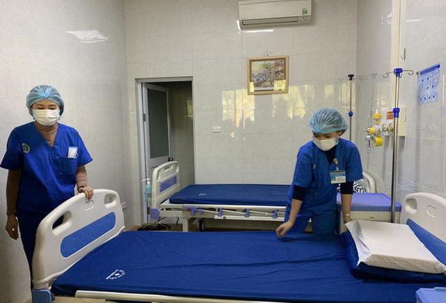 Các bệnh viện Hà Nội sẽ trực tiếp nhận bệnh nhân dương tính Covid-19 về điều trị - Ảnh 1.