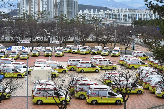 Cách giải quyết vấn đề thiếu giường bệnh khi có hơn 8.000 người nhiễm Covid-19 của Hàn Quốc: Có sẵn ngay, không cần tốn chi phí và nhân lực xây bệnh viện dã chiến như Trung Quốc - Ảnh 2.