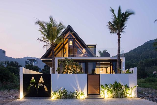 Sống ở châu Âu 30 năm, cặp vợ chồng già về Đà Nẵng xây nhà rồi cho thuê 2.000 USD/tháng - Ảnh 1.
