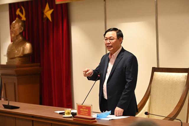 Bí thư Vương Đình Huệ: Huy động các khách sạn vào cách ly tập trung cho người tự chi trả - Ảnh 1.
