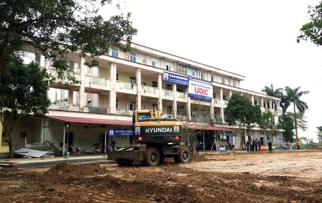 Hà Nội xây xong bệnh viện dã chiến trong 7 ngày để điều trị bệnh nhân Covid-19  - Ảnh 1.