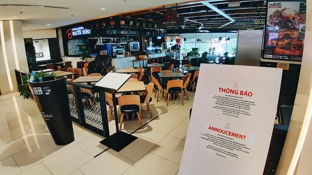 Phố Sài Gòn vắng lặng, quán cafe đồng loạt tạm đóng cửa chung tay phòng chống dịch Covid-19 - Ảnh 23.