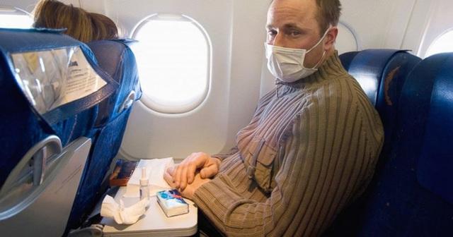"""Những lưu ý """"nhớ đời"""" khi đi máy bay mà ai trong chúng ta cũng thường phớt lờ, mùa dịch Covid-19 lại càng nên cẩn trọng hơn - Ảnh 2."""