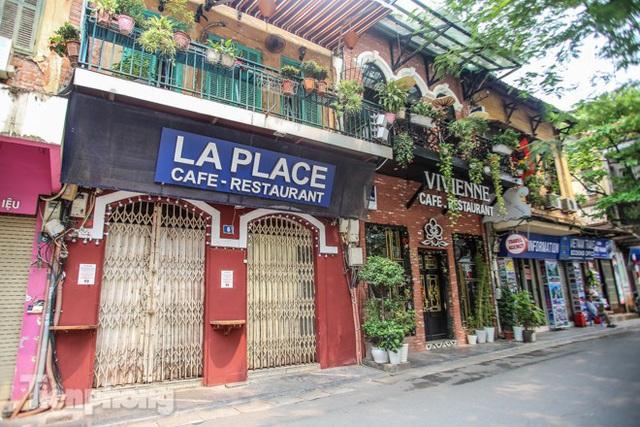 Hàng loạt quán cà phê đất vàng Hà Nội tạm thời đóng cửa - Ảnh 4.