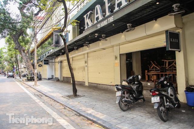 Hàng loạt quán cà phê đất vàng Hà Nội tạm thời đóng cửa - Ảnh 9.