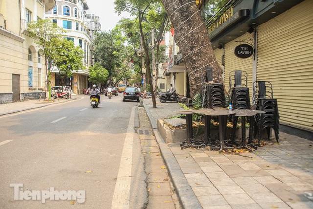 Hàng loạt quán cà phê đất vàng Hà Nội tạm thời đóng cửa - Ảnh 10.