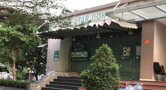 """Nhiều hàng quán ở Sài Gòn treo biển """"phục vụ tối đa 29 người"""" để được tiếp tục được hoạt động trước quy định mới - Ảnh 3."""
