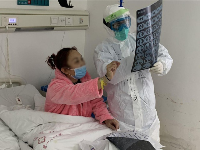 Chuyên gia bác tin đồn Nín thở trong 10 giây giúp kiểm tra bản thân có nhiễm Covid-19 hay không - Ảnh 3.