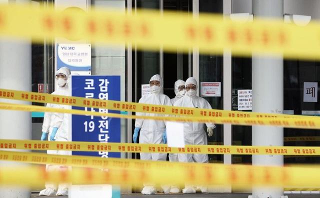 8 ngày cận kề sinh tử của bệnh nhân nhiễm virus covid-19 tại tâm dịch Hàn Quốc: Tôi tự hỏi liệu mình có ra đi như những người trẻ, khỏe ngoài kia không? - Ảnh 1.