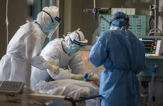 8 ngày cận kề sinh tử của bệnh nhân nhiễm virus covid-19 tại tâm dịch Hàn Quốc: Tôi tự hỏi liệu mình có ra đi như những người trẻ, khỏe ngoài kia không? - Ảnh 4.