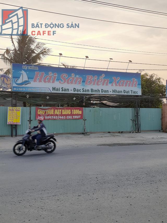 Cho thuê mặt bằng nhà phố trung tâm Tp.HCM ảm đạm, đóng cửa hàng loạt vì dịch Covid-19 - Ảnh 9.